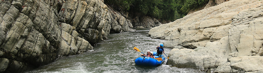 Whitewater Rafting the Naranjo River Class III-IV