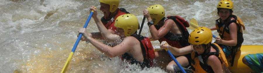 Whitewater Rafting the Coto Brus River (Class III/IV)