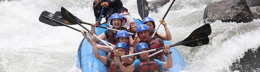 Whitewater Rafting the Guabo River Class II/III